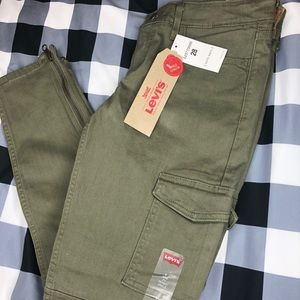 Levi Mid Rise 711 Ankle Skinny Utlity Olive Jeans